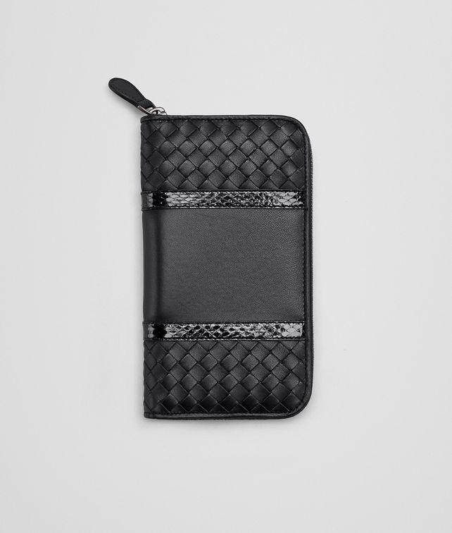 BOTTEGA VENETA ZIP AROUND WALLET IN NERO INTRECCIATO NAPPA, AYERS DETAILS Zip Around Wallet D fp
