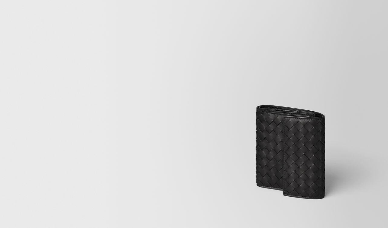 portefeuille mini format en cuir nappa intrecciato nero landing