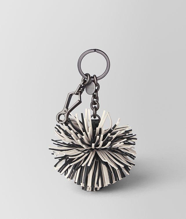 BOTTEGA VENETA MIST/NERO NAPPA POMPOM Keyring or Bracelets E fp