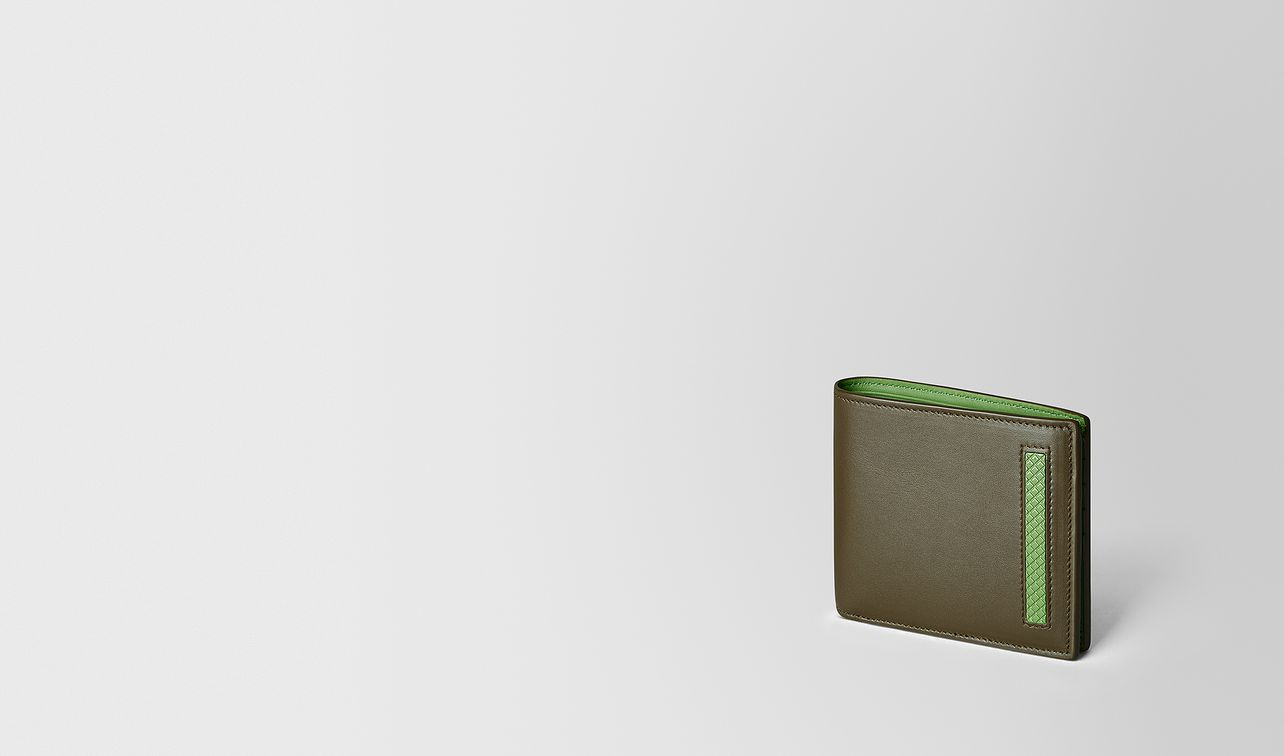 billfold in french calf and enamel landing