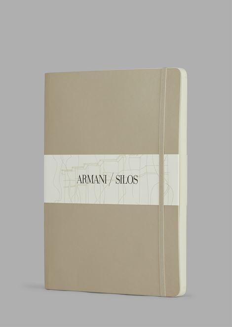 Großes Hardcover-Notizbuch mit punktkarierten Seiten