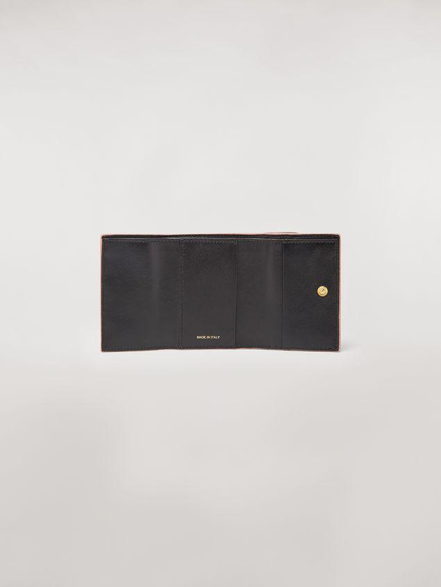 Marni Portafoglio tri-fold in vitello saffiano blu nero marrone Donna - 2