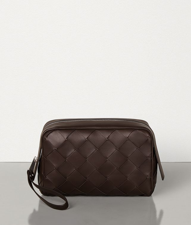 BOTTEGA VENETA MEDIUM TOILETRY CASE IN INTRECCIATO NAPPA Pouch [*** pickupInStoreShippingNotGuaranteed_info ***] fp