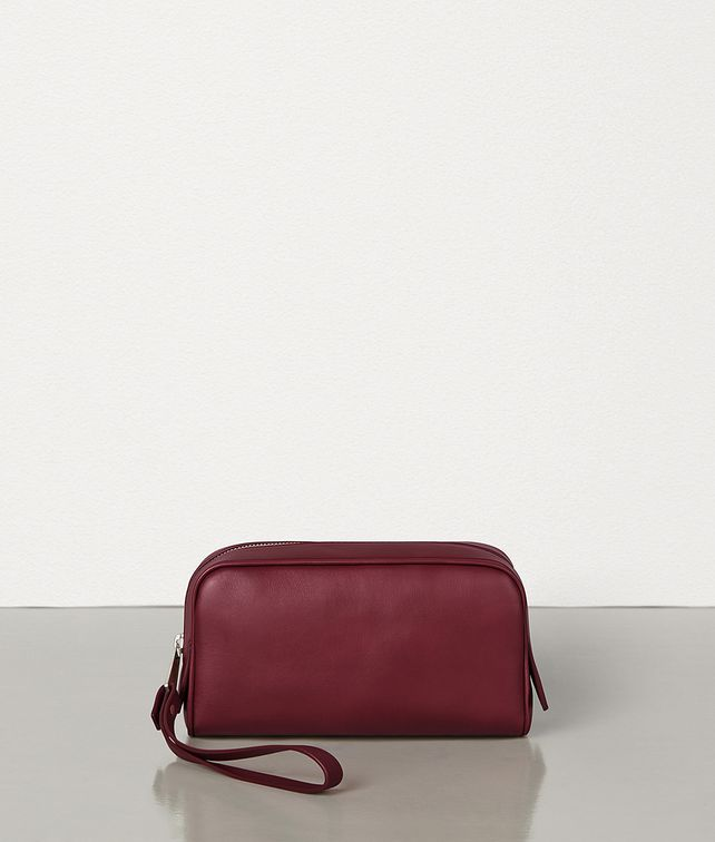 BOTTEGA VENETA SMALL TOILETRY CASE IN BUTTERY SOFT CALF LEATHER Pouch [*** pickupInStoreShippingNotGuaranteed_info ***] fp