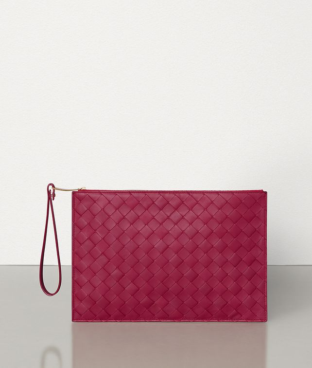 BOTTEGA VENETA MEDIUM POUCH IN MAXI INTRECCIO Pouch E fp