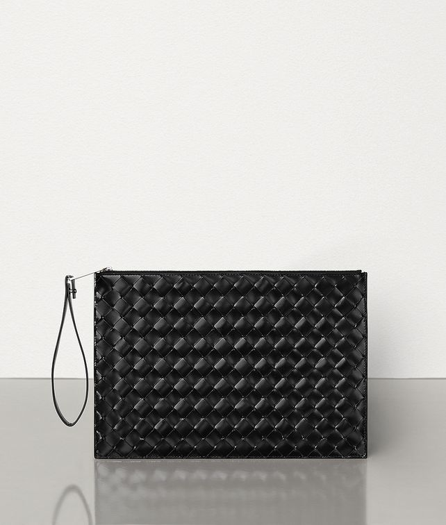 BOTTEGA VENETA MEDIUM POUCH IN INTRECCIATO SPAZZOLATO CALF Pouch Man fp