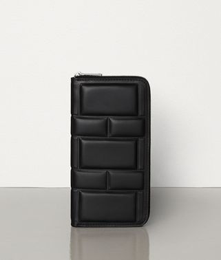 MEDIUM ZIP AROUND WALLET IN PADDED NAPPA