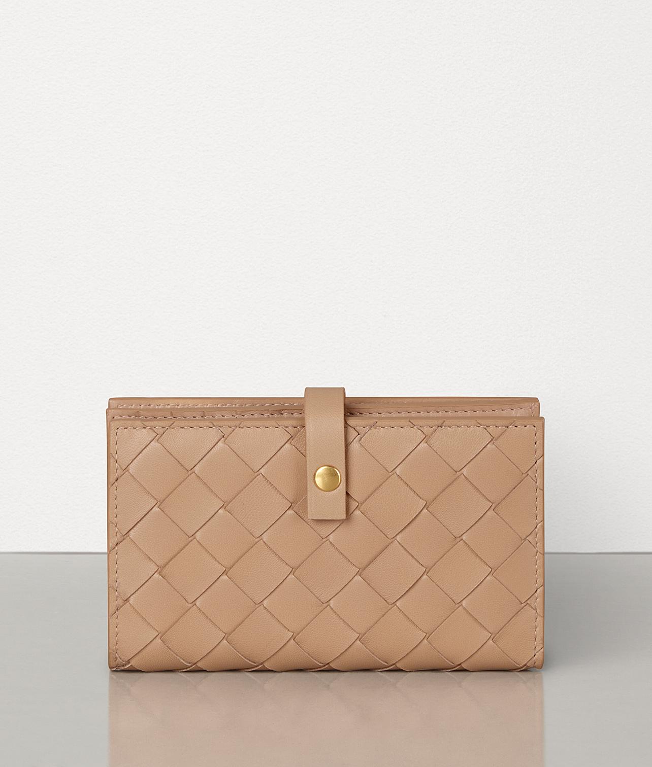 「Bottega Veneta(ボッテガ・ヴェネタ)」オススメの二つ折り財布