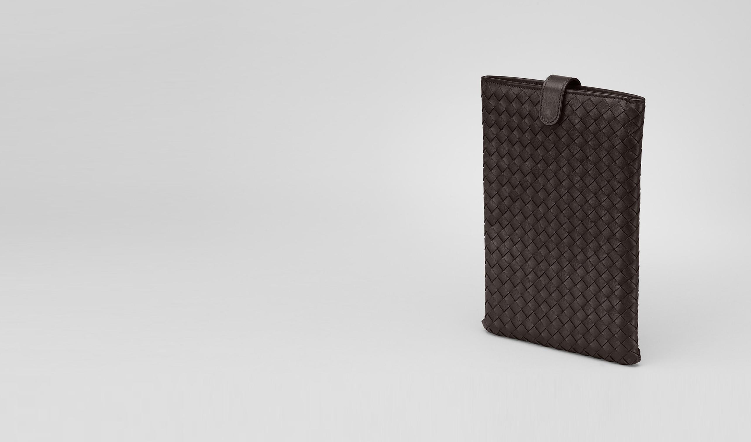 BOTTEGA VENETA Weiteres Leder Accessoire E iPad mini Hülle aus Nappaleder Intrecciato Ebano pl