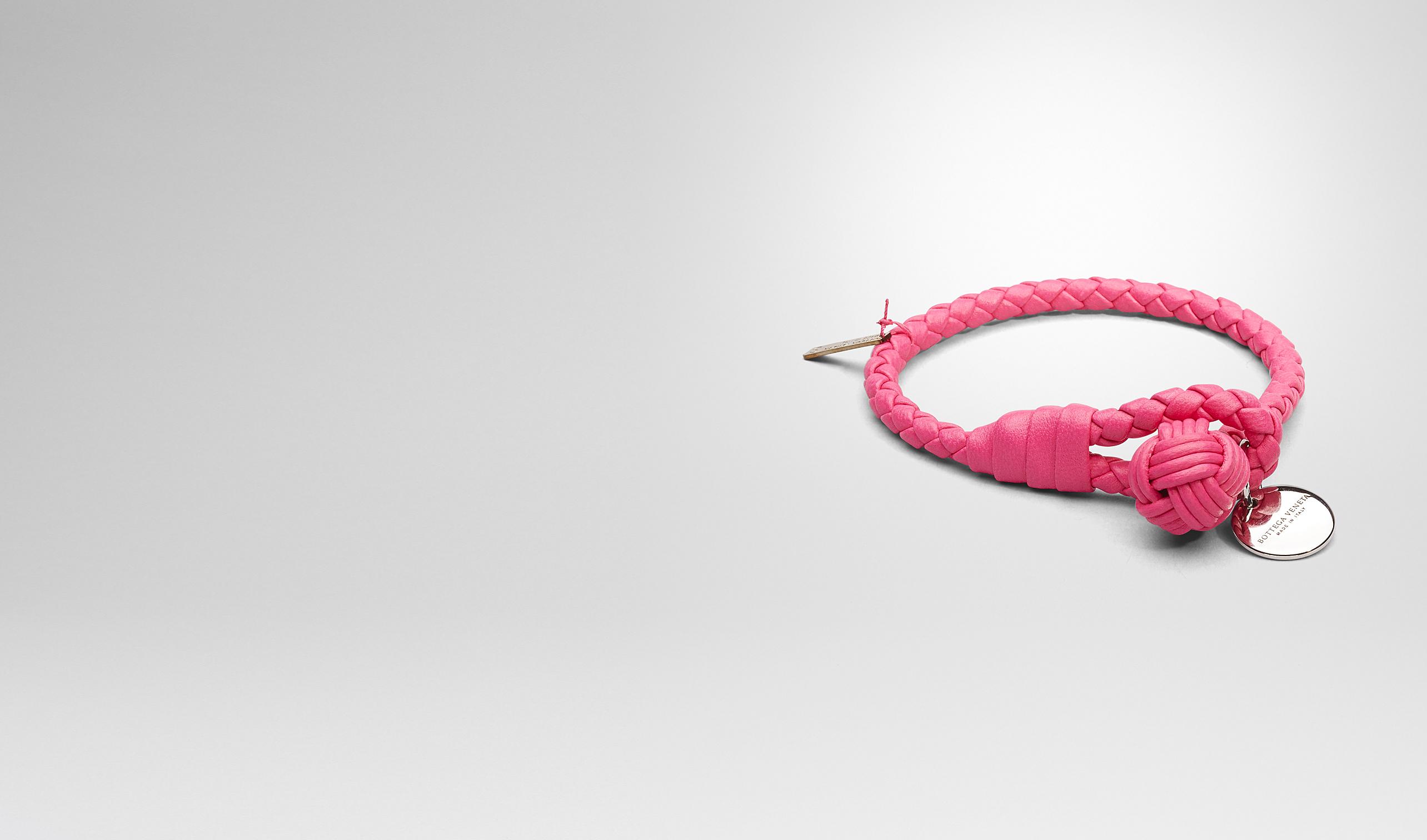 BOTTEGA VENETA Porte-clé ou Bracelet E BRACELET ROSE SHOCKING EN NAPPA INTRECCIATO pl