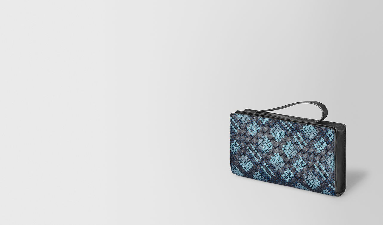multifunctional case in tartan dots  landing