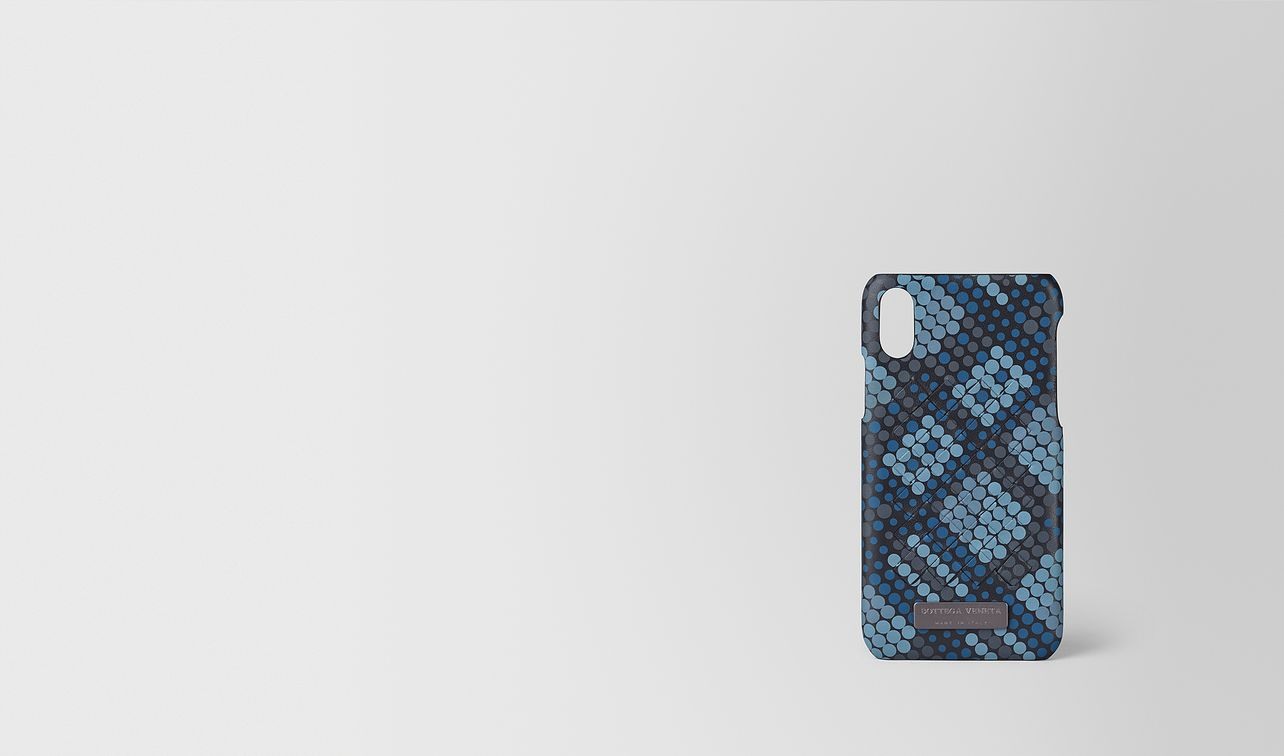 hi-tech case in tartan dots  landing
