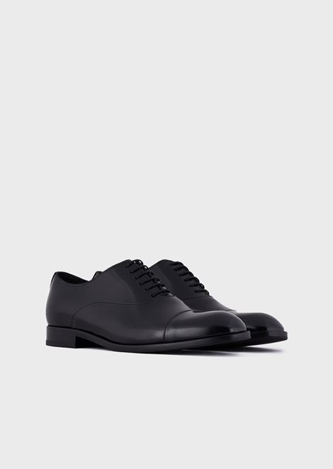 Glossy abraded leather Oxford shoe