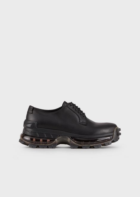 Leather derby shoes with deep-treaded soles