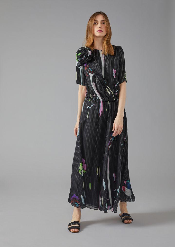 3fa36700f Vestido de raso con estampado abstracto