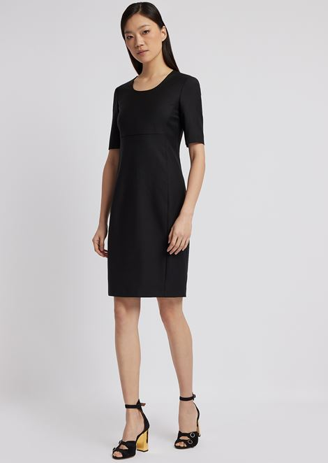 Short-sleeved sheath dress in fresh wool