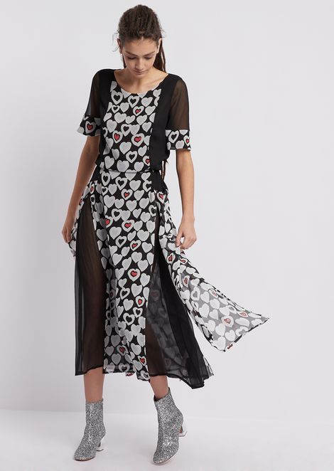 Crepon dress with panels printed in an all-over hearts pattern