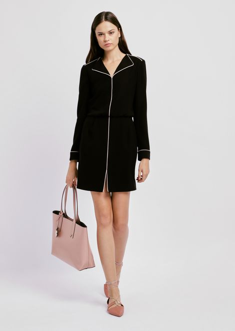 Dress in crepe with neckline lapels and contrasting trim
