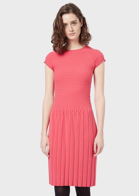 Short-sleeved knitted dress