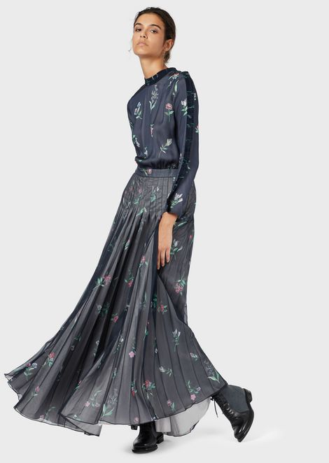Long dress with floral motif
