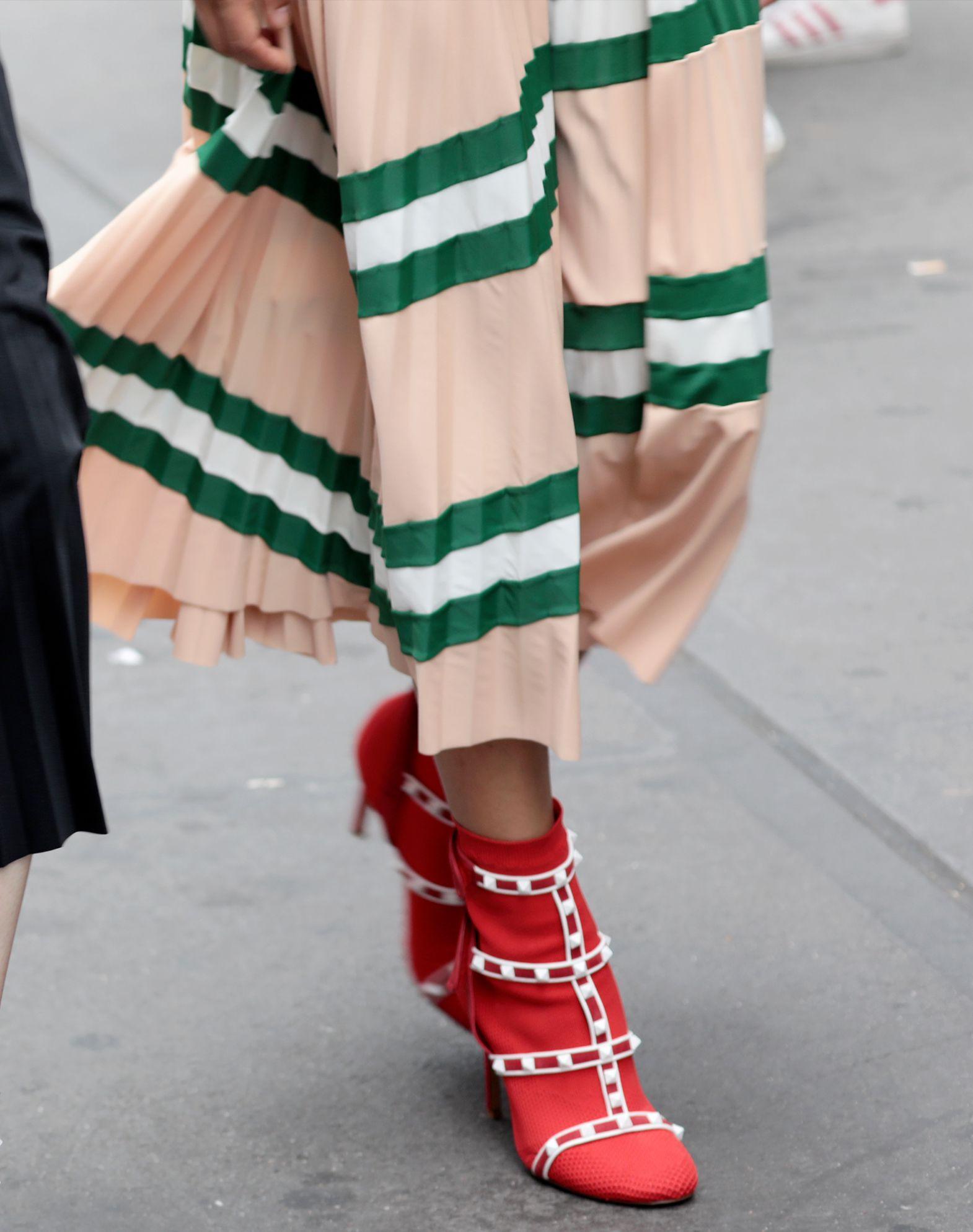 VALENTINO Pleated Skirt Printed skirt D l