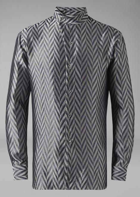 Shirt in yarn-dyed chevron jacquard fabric