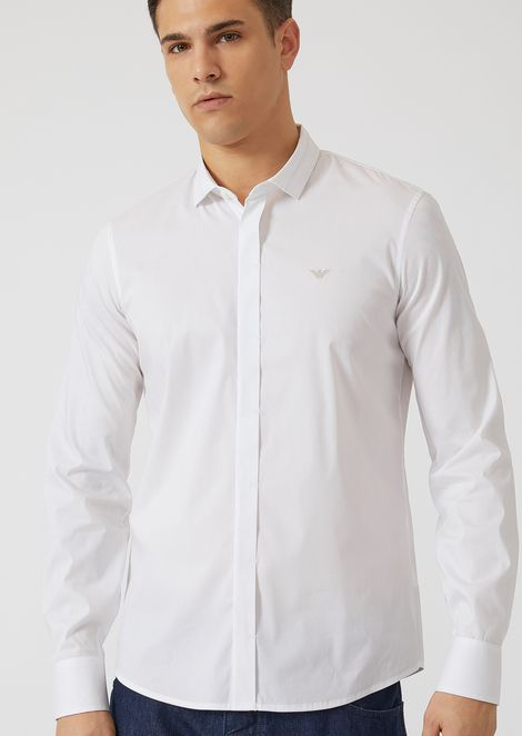 Shirt in comfortable poplin with embroidered logo on the front