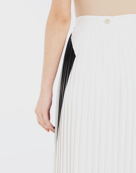 MAISON MARGIELA Two-tone pleated skirt  3/4 length skirt [*** pickupInStoreShipping_info ***] b