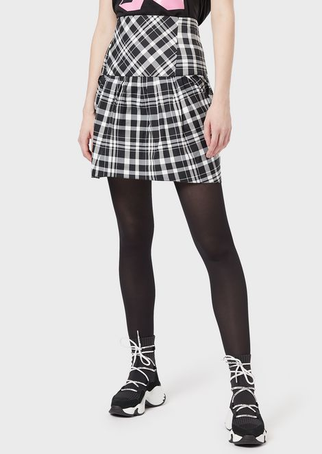 Balloon-hemmed plaid skirt