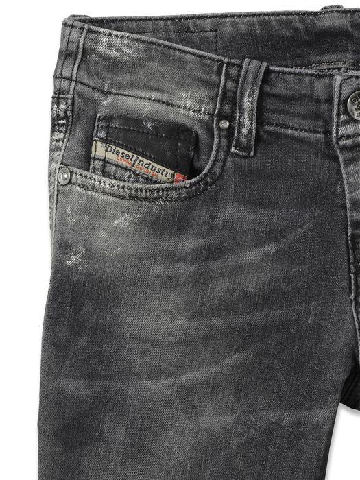 DIESEL GRUPEEN J Jeans D d