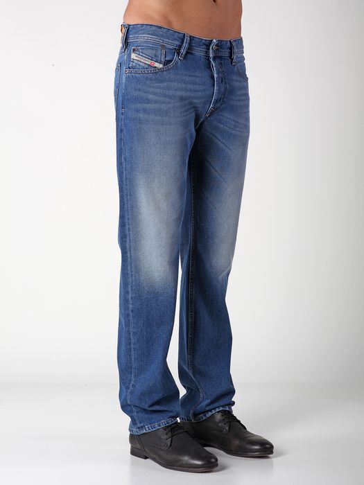 DIESEL WAYKEE 0823C REGULAR SLIM-STRAIGHT U e