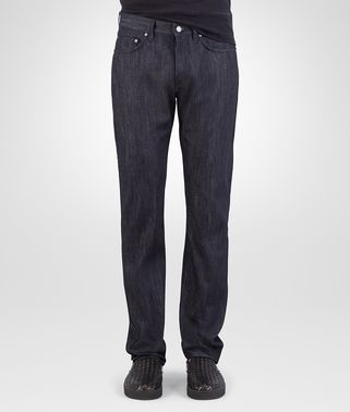 HOSE AUS DENIM IN DARK NAVY
