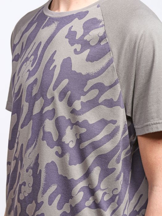 55DSL T-CLOUDFLAGE T-Shirt U a
