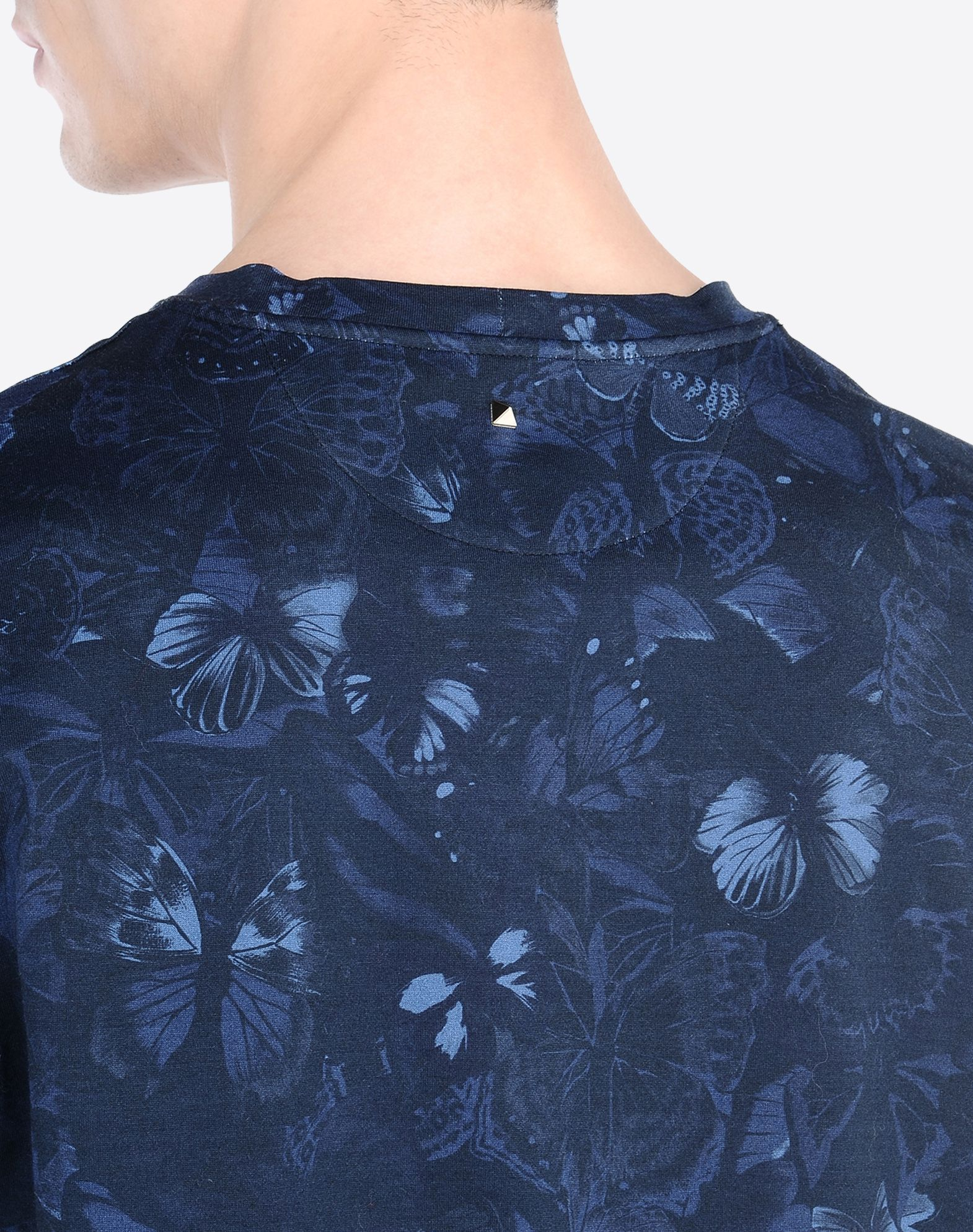 VALENTINO T-shirt with Camubutterfly print  37709434bs