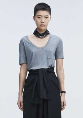 CROPPED TEE WITH POCKET