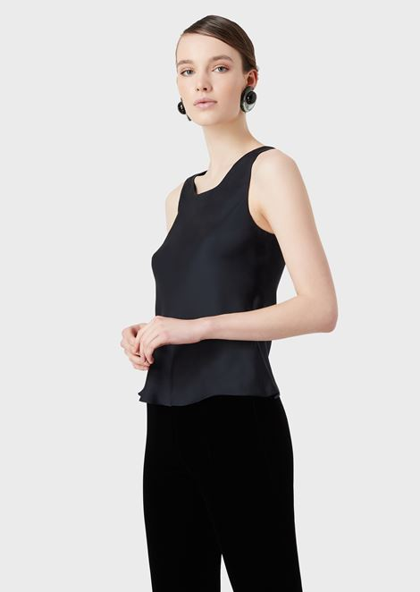 Sleeveless top in pure silk