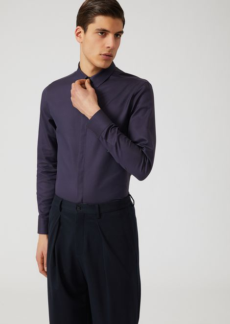 Stretch cotton shirt with small collar and concealed fastening