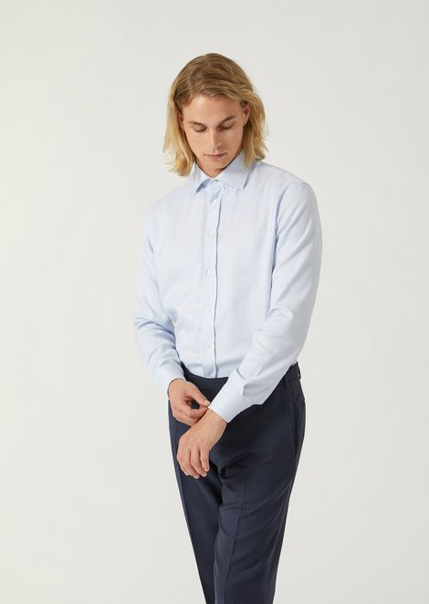 Modern fit woven cotton shirt with stiff French collar