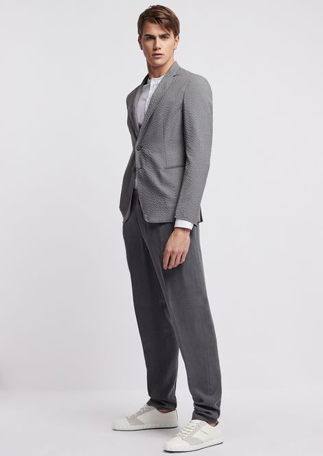 Slim-fit shirt in stretch cotton with stitching at the shoulders