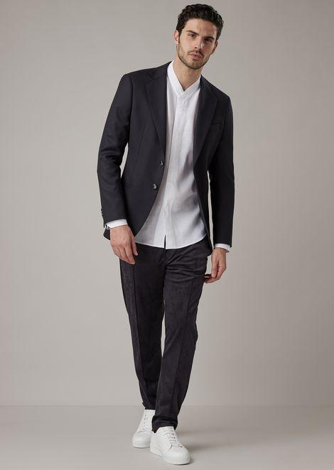 Regular-fit V-neck shirt in pure linen