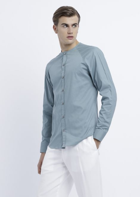 Slim-fit shirt in stretch cotton with stitching on the shoulders