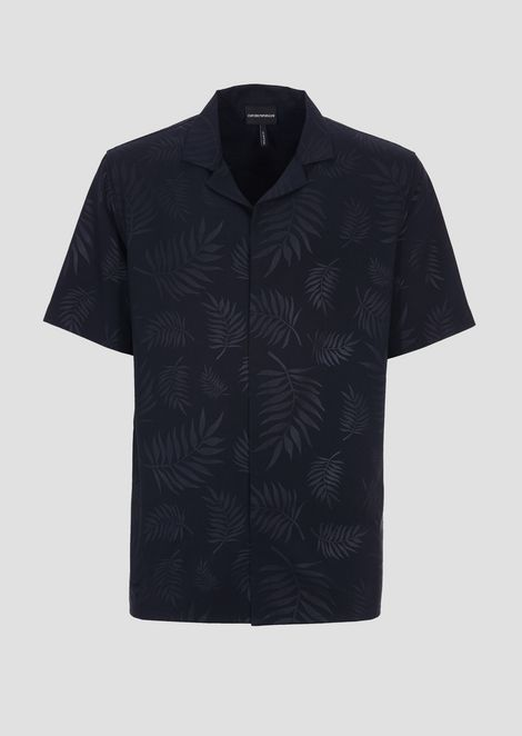 Short-sleeved shirt printed with the collection's motif