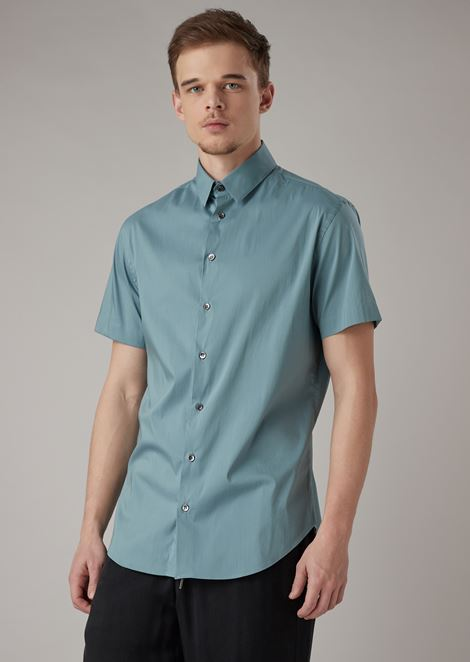 Short-sleeved, slim fit shirt in plain-colored jersey