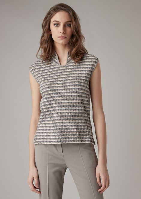 Tuck stitch top with guru collar