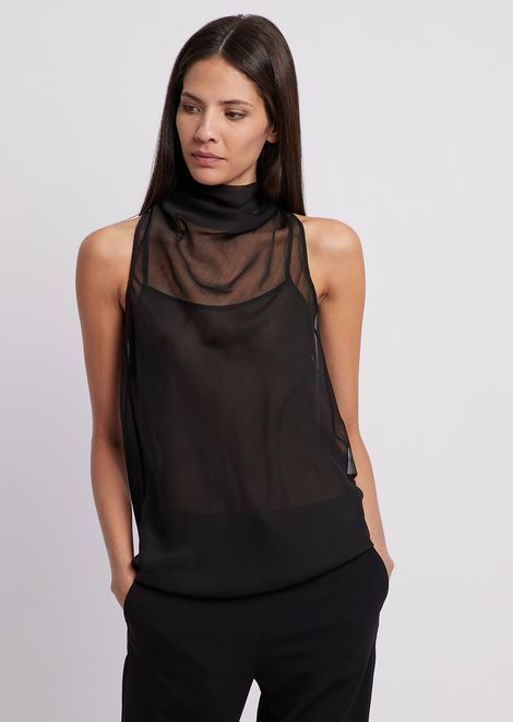 Crepon top with bow on the back at the neck