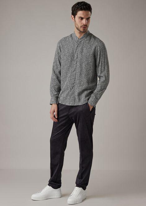 Camicia regular fit in lyocell con esclusiva stampa geometrica a corrosione