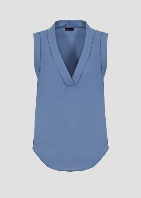 V-neck top in mulberry silk