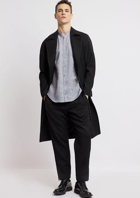 Short-sleeved shirt in linen chambray