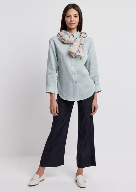 Camisa ancha de lino con cuello con botones