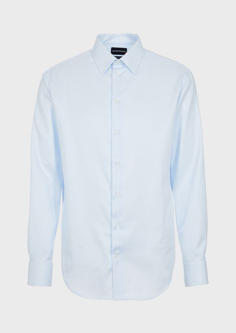 Modern-fit textured cotton shirt featuring classic collar with stays